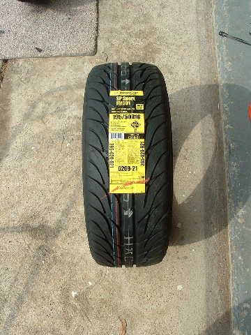 Tire Size Comparison >> Dark Wing--Darkside Gold Wing (car tire on a Gold Wing)