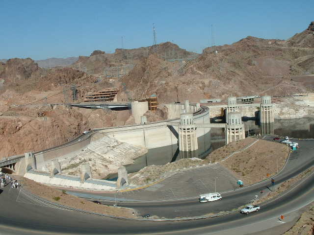 A pic of hoover dam approach