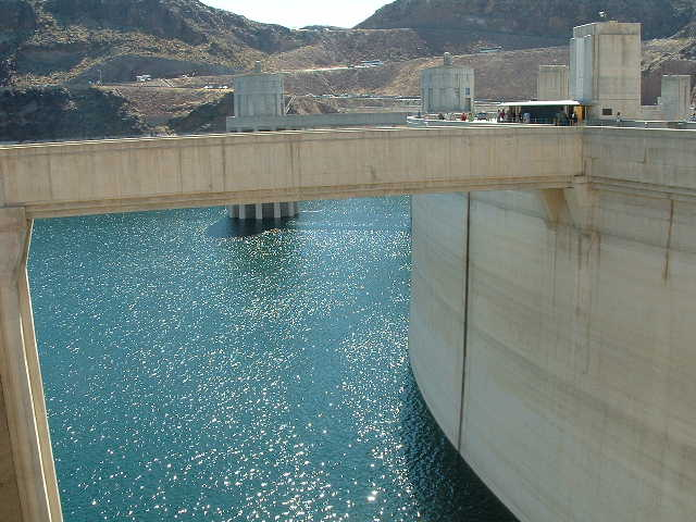 A pic of hoover dam lake side