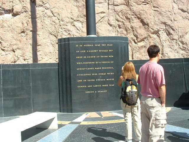 A pic of hoover dam monument